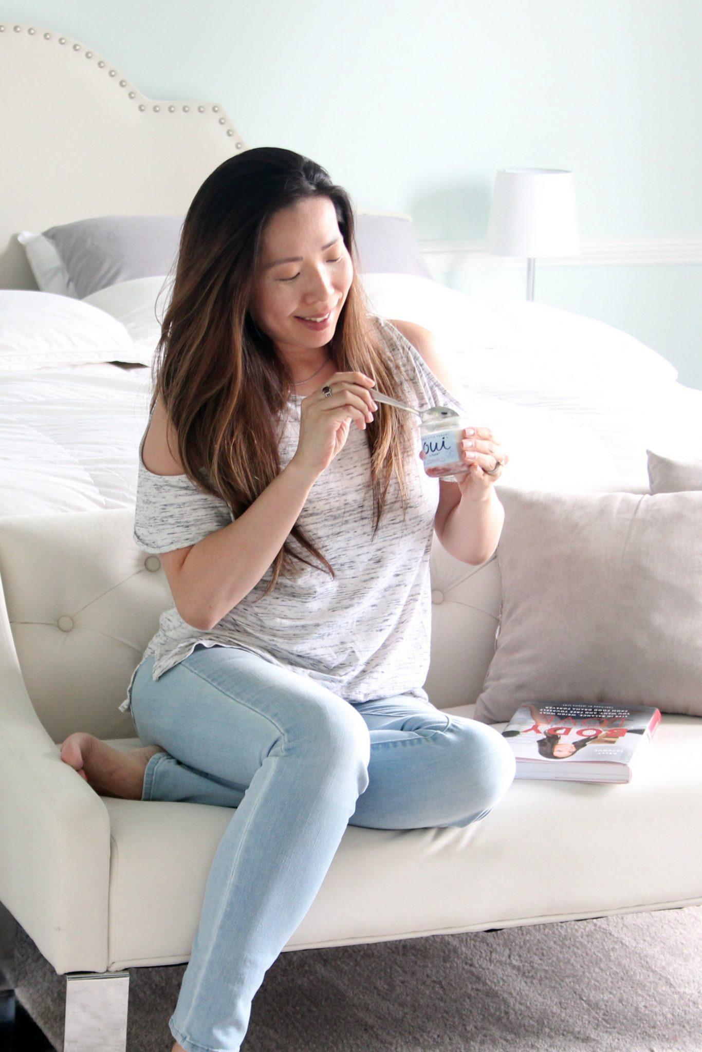 jeeyoung eating oui