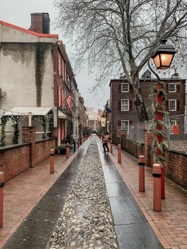 Elfreth's Alley - The cutest little street in Philly! It is the oldest street in Pennsylvania