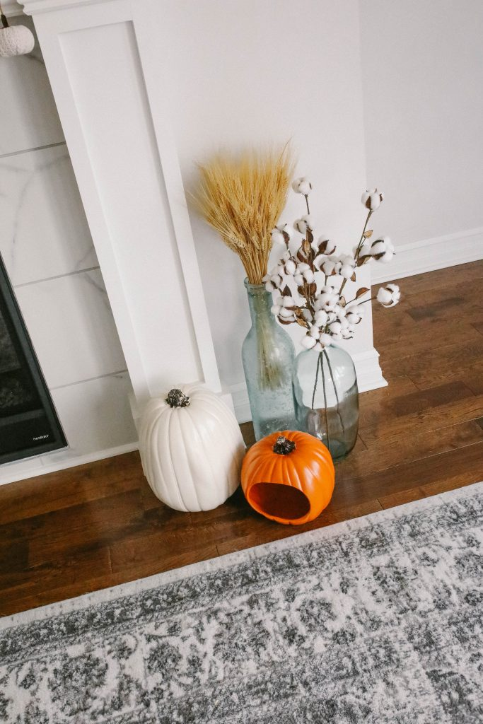 fall home decor pumpkins