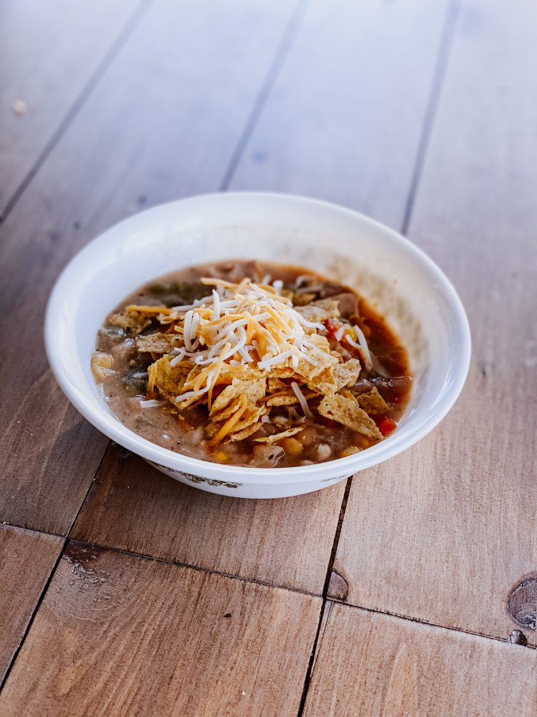 Simple and Easy White Chicken Chili Slow Cooker Recipe
